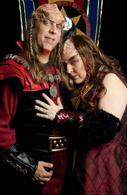 Star Trek Klingon Wedding Christine and Charles rocknrollbride.com