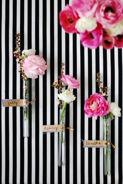 DIY Glass Vial Floral Place Cards via The Proper Pinwheel