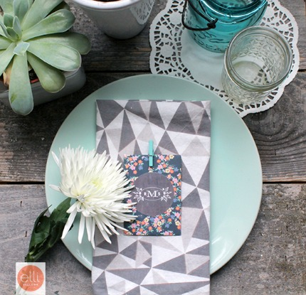 DIY Wedding Favor Packets via Elli